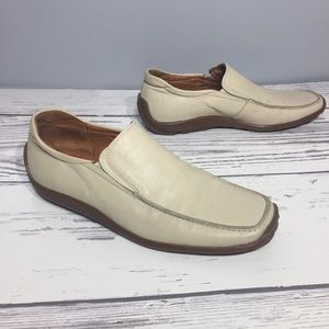 Other - Pegabo men's all leather cream loafers